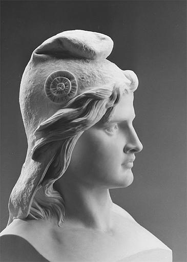 Mais le modèle est diversement suivi et dans toute la France s\u0027oppose  statue à épis et statue à bonnet phrygien. Quant au nom qu\u0027il faut lui  donner,